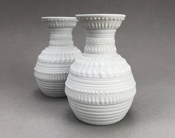 Vintage White Op-Art Pair of Vases, Royal KPM 852/14 — 1960s
