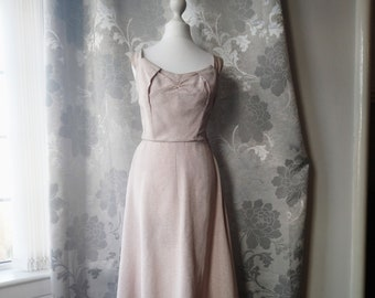 342b6389962 1950s Harrods Pale Pink Shimmering Vintage Dress
