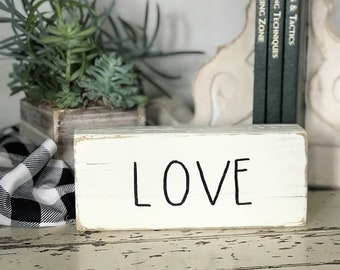 Love Rae Dunn inspired wood block decor | wooden farmhouse shelf sign