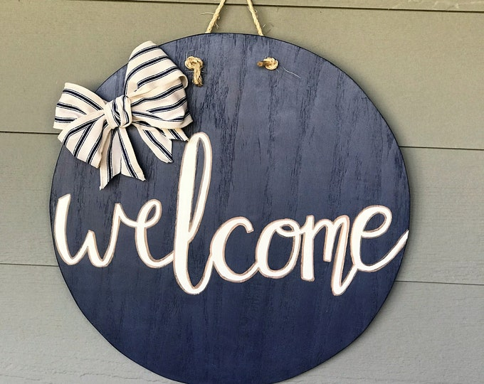 Welcome navy blue round door hanger, round wooden wall decor