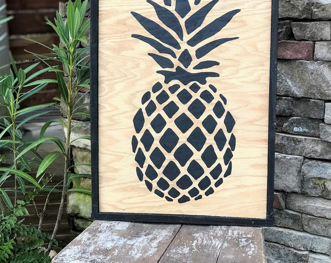 Pineapple framed wood sign, pineapple wall decor, southern style decor, gallery wall sign