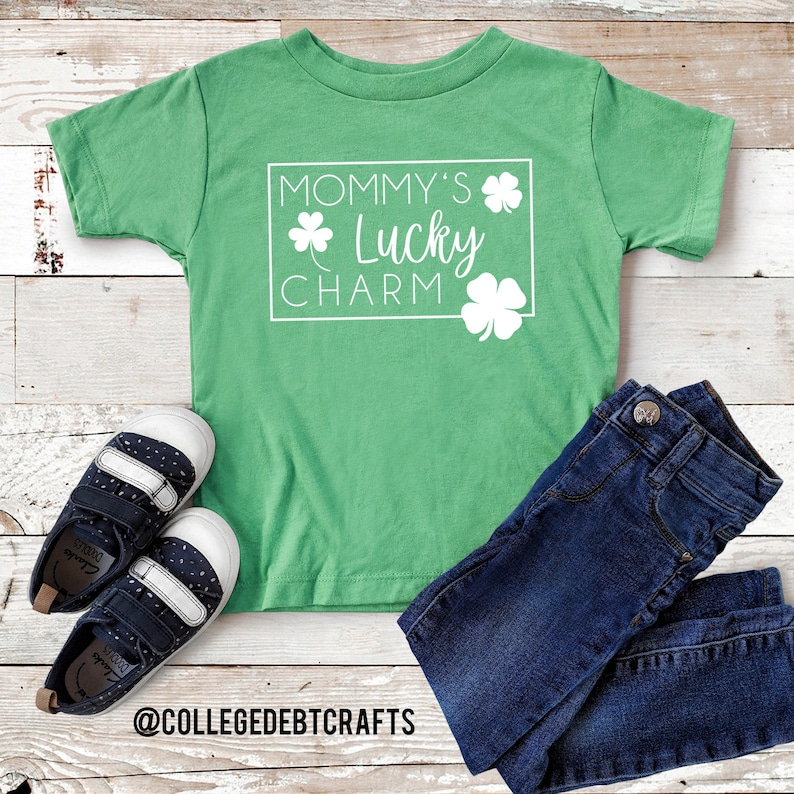 Youth t-shirt Unisex Humor Tee March Mommy/'s Lucky Charm Kids Shirt Patty/'s Day Patrick/'s Day Irish Lucky Gift St St