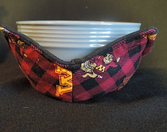 cozy or trivet. Quilted University of Michigan pot holder Microwavable bowl cozy
