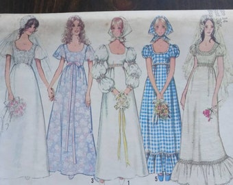 1971 Wedding Dress and Bridesmaid Dress Pattern / Simplicity 9825 / Bust 36