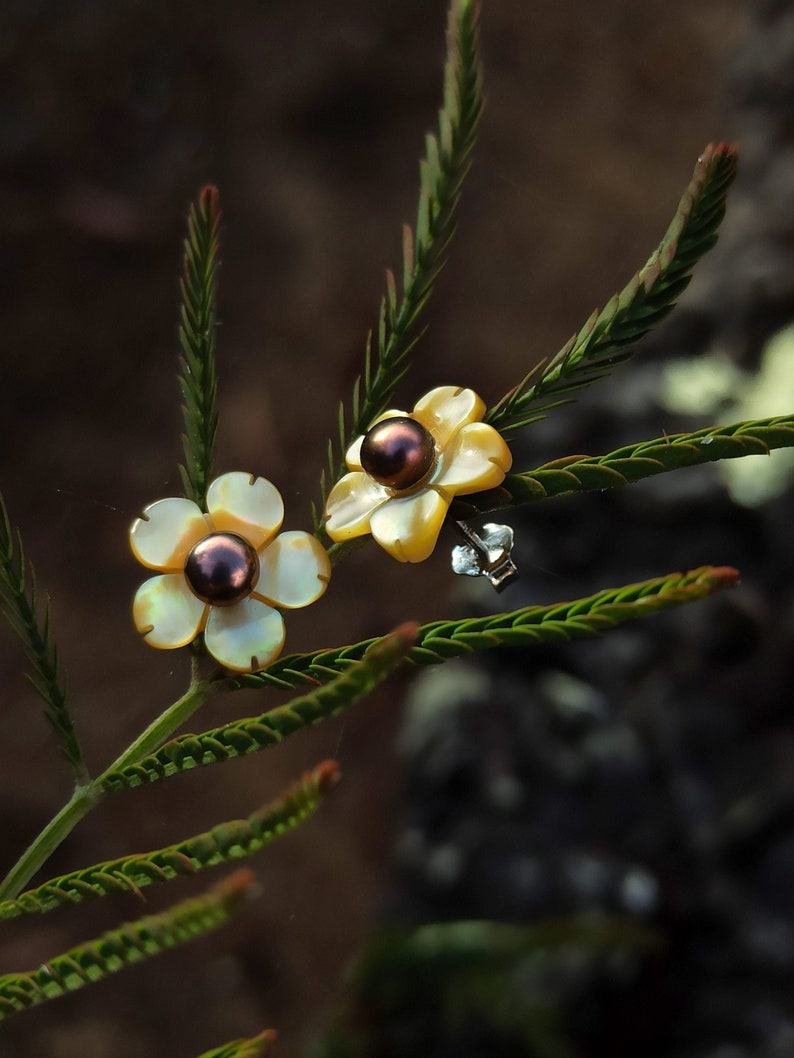 Little pearl and bright gold blossom post earrings 3mm image 0