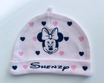 Bonnet pour bébé personnalisé avec prénom au choix dispo en taille naissance,1  mois et 3 mois LIVRAISON GRATUITE 72bdd6826ac