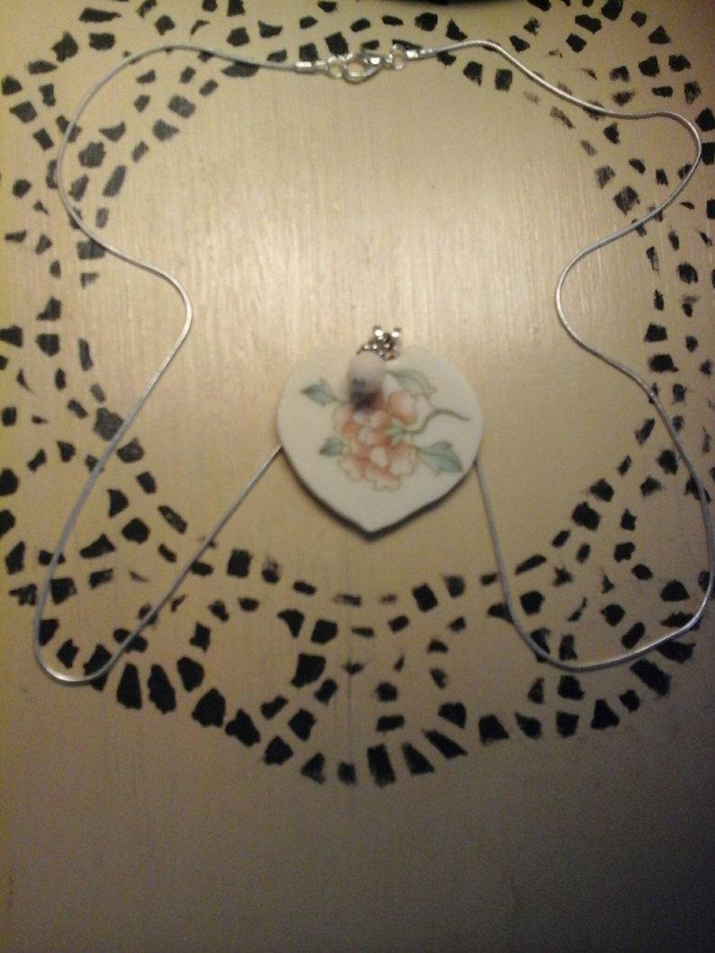Beautiful Floral Pendant Necklace