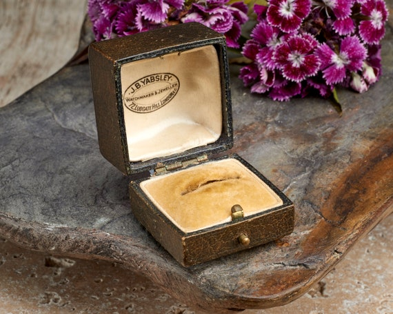 Poitiers vintage display box for engagement ring or wedding ring brown leather signed H Dejois French ring box