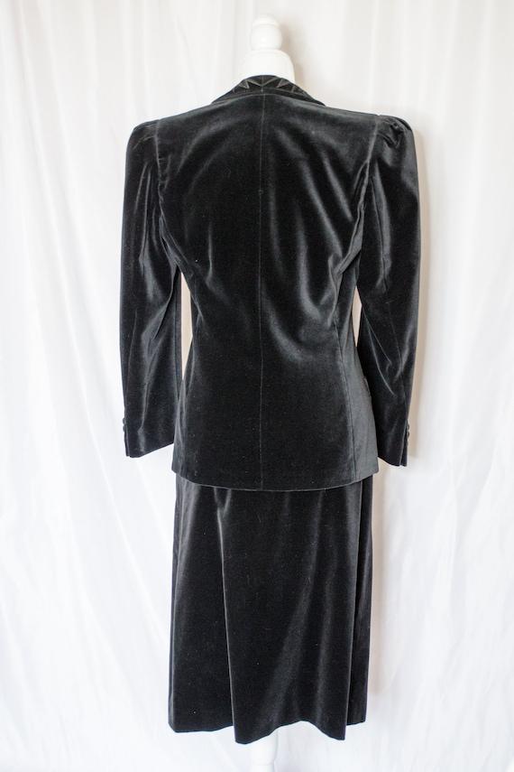 Vintage 80s Black Velvet Blazer & Skirt Set by Es… - image 8