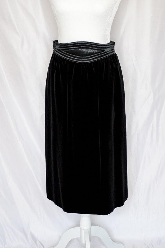 Vintage 80s Black Velvet Blazer & Skirt Set by Es… - image 6