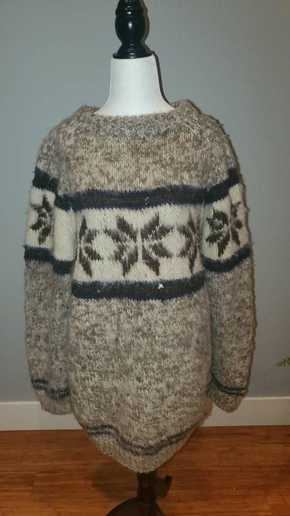 COWICHAN style sweater.