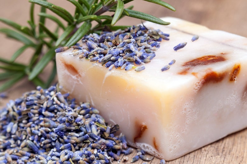 Dried French Aromatic Lavender Flowers Certified Organic Buds Petals soap toss me bags DIY your own lavender sachets wedding favors