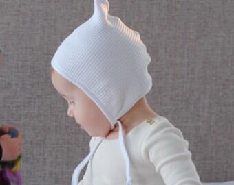 6b8fda458ef White ribbed pixie hat