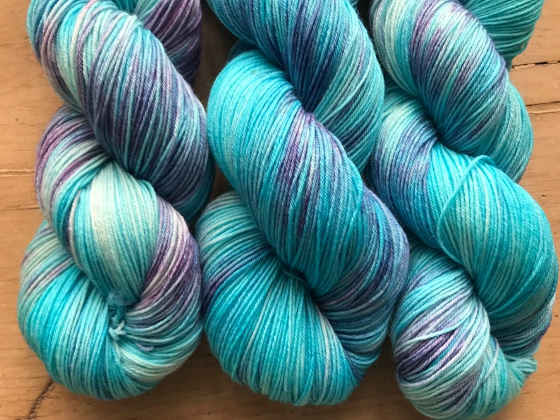 100g 425 metres Hand dyed sock yarn 7525 MerinoNylon blend Turquoise and Blue