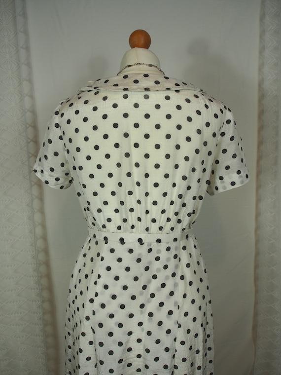 Cute 1950s polka dot dress with peter pan collar - image 6