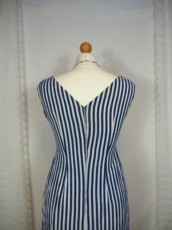 Amazing 1950s striped wiggle dress with sweethear… - image 6