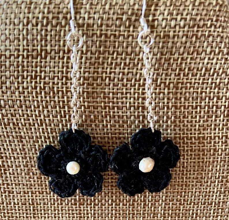 Crochet Flower Pearl Dangle Earrings