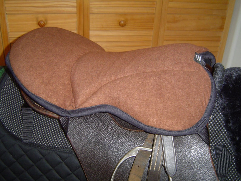 English Seat Saver for English horse saddles Med Brn Faux Suede