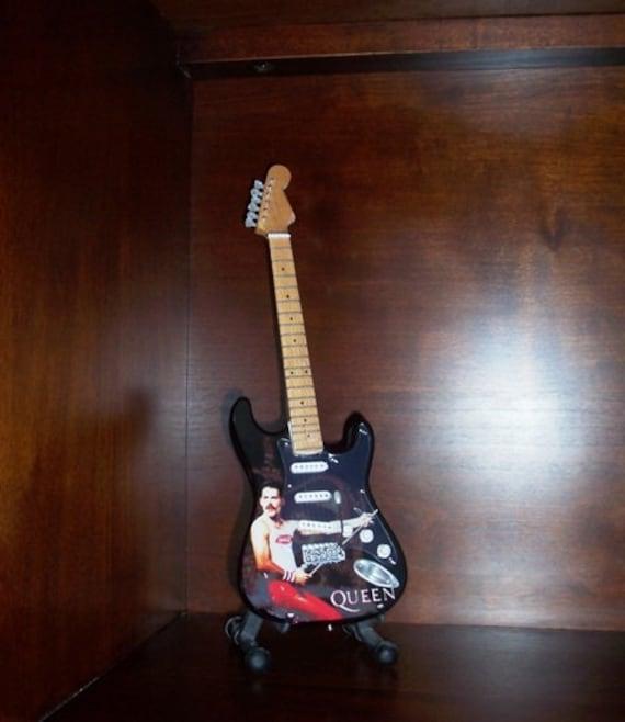Mini Acoustic Guitar BOB DYLAN Portrait Memorabilia  FREE Stand GIFT Art