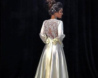 e3e1cd53186 Bridal robe with lace back
