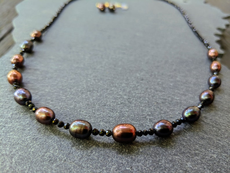 pearl necklace Black Metallic Rainbow Pearl and Black Spinel necklace and earring set black rainbow pearls black spinel necklace