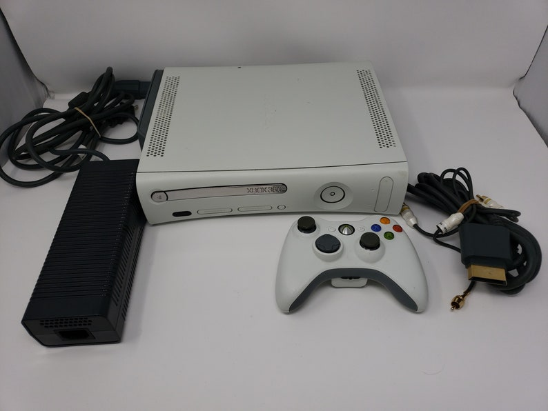 Xbox360 W/60GB HHD, 4 HALO Game Series, Console, Controller, Power Block,  AV Cable