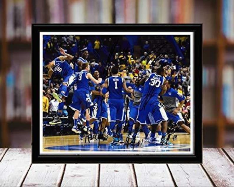 Desktop Frame Landscape Kentucky Wildcats Team Autograph Replica Print