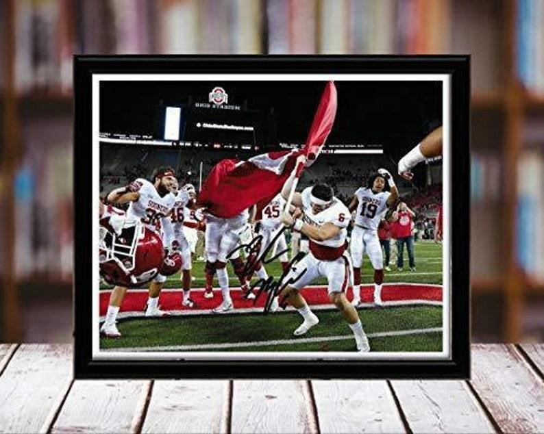 Oklahoma Sooners Desktop Frame - Planting The Flag Baker Mayfield Autograph Replica Print