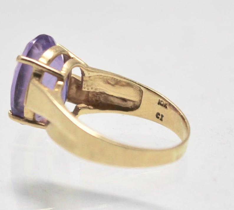 Vintage 10K Yellow Gold Amethyst Ring SZ 8.25.
