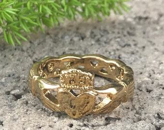 Claddagh Ring Gold IP Plated Stainless Steel Celtic Claddagh Ring, Love Loyalty Friendship Claddagh Band, Personalize Claddagh Ring CQSSR420