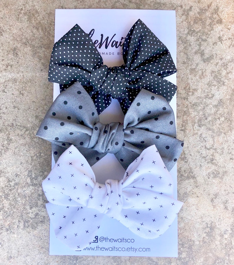 Black and White Hand-tied Fabric Baby Bow Set Alligator Clips Toddler Bows Baby Headbands Newborn Bows Pinwheel Bow