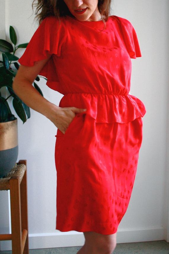 Vintage 80s dress silk ruffle peplum // Size 8 //