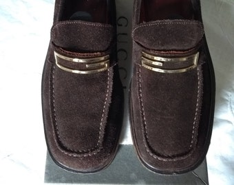 c270bcf78b0 Vintage Womens Gucci Suede Loafers