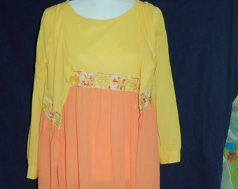 0d4198a02c71 1960s Mod Bright Citrus Orange and Lemon Robe and Nightgown