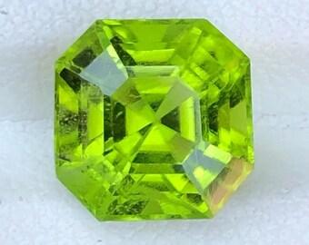 2.0 CT Beautiful Dark Green Color Natural Himalayan Peridot Loose GemstoneEmerald Green Peridot for Wedding Engagement Promise Rings