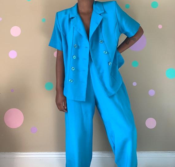 Women's Vintage Summer Suit Size: 14