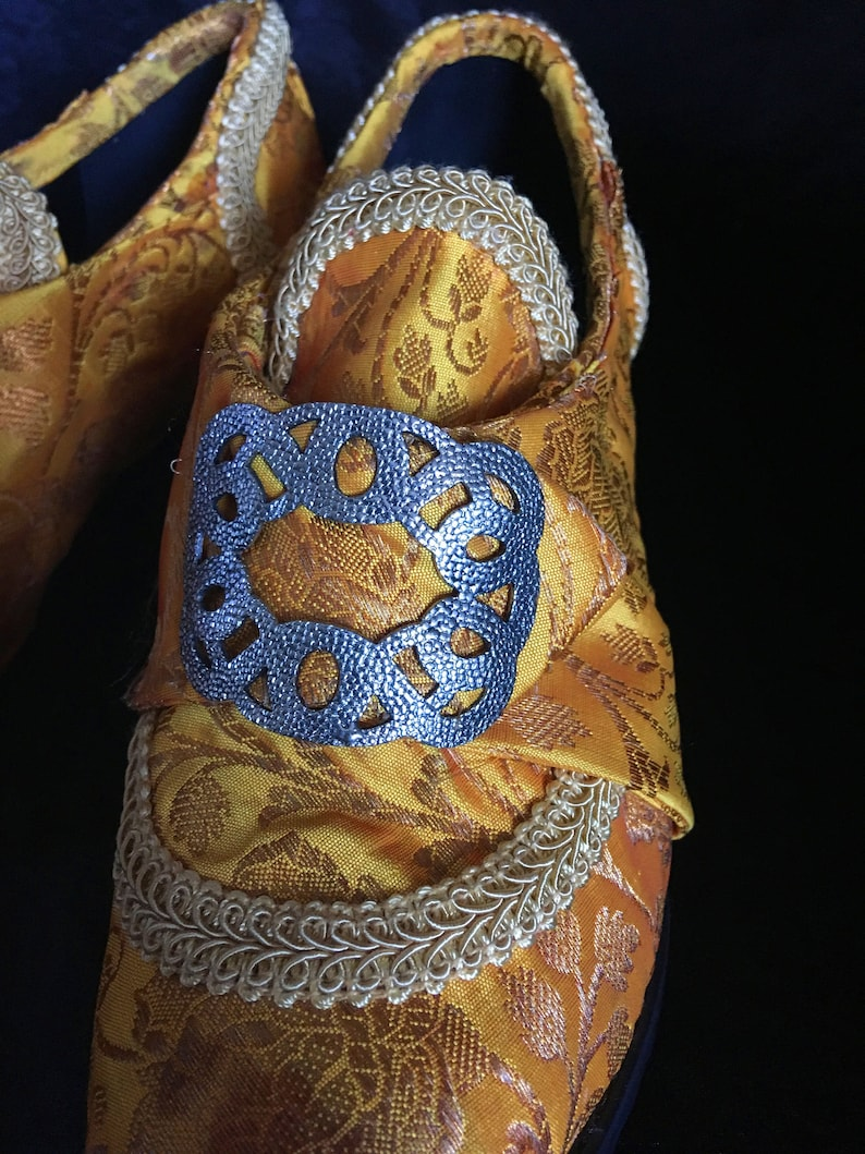 68c94bc3fc5b6 18th Century Marie Antoinette Silk Shoes size 8/ Rococo Shoes/ Costume Shoes