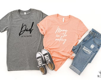 a6119198 Mama In The Making   Couples Pregnancy Reveal   Pregnancy Announcement   Dad  In The Making Shirt   Baby Announcement   Soon To Be Parents