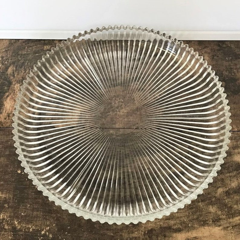 Silver Metal Wire Fruit Tray With Glass Trays