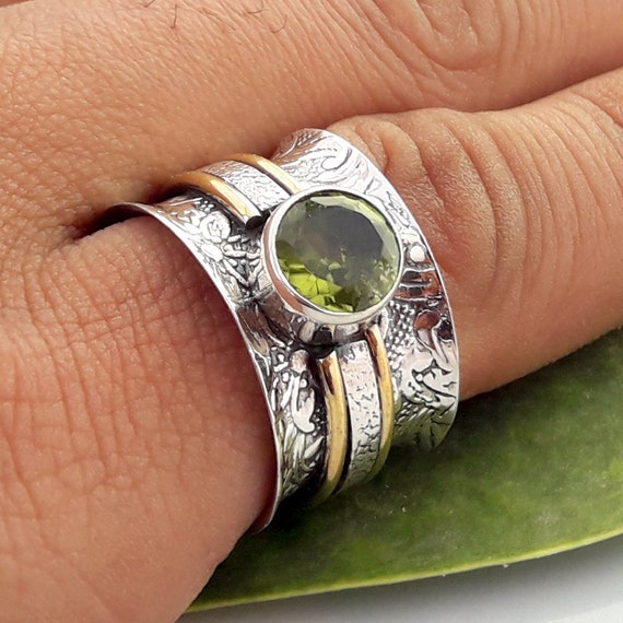 Peridot Gemstone-Spinner Ring-Solid 925 Sterling Silver Spinner Ring-Anxiety Ring-Fidget Ring-Meditation Ring-Silver Jewelry Ring