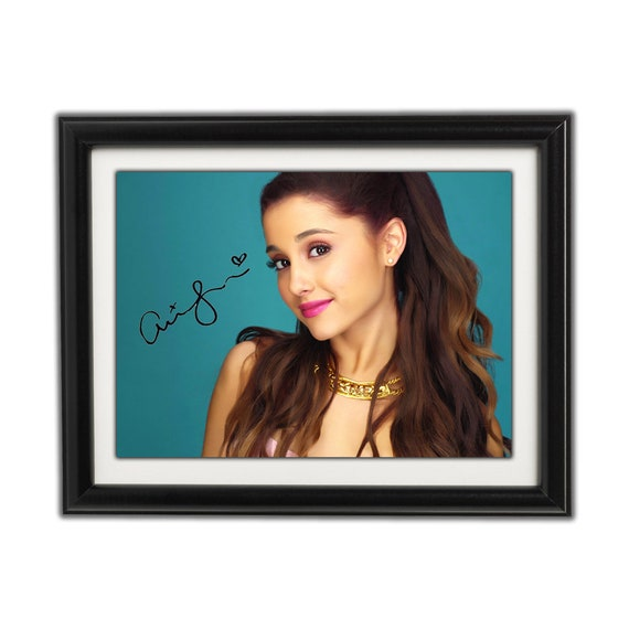 ARIANA GRANDE AUTOGRAPHED SIGNED /& FRAMED PP POSTER PHOTO 1