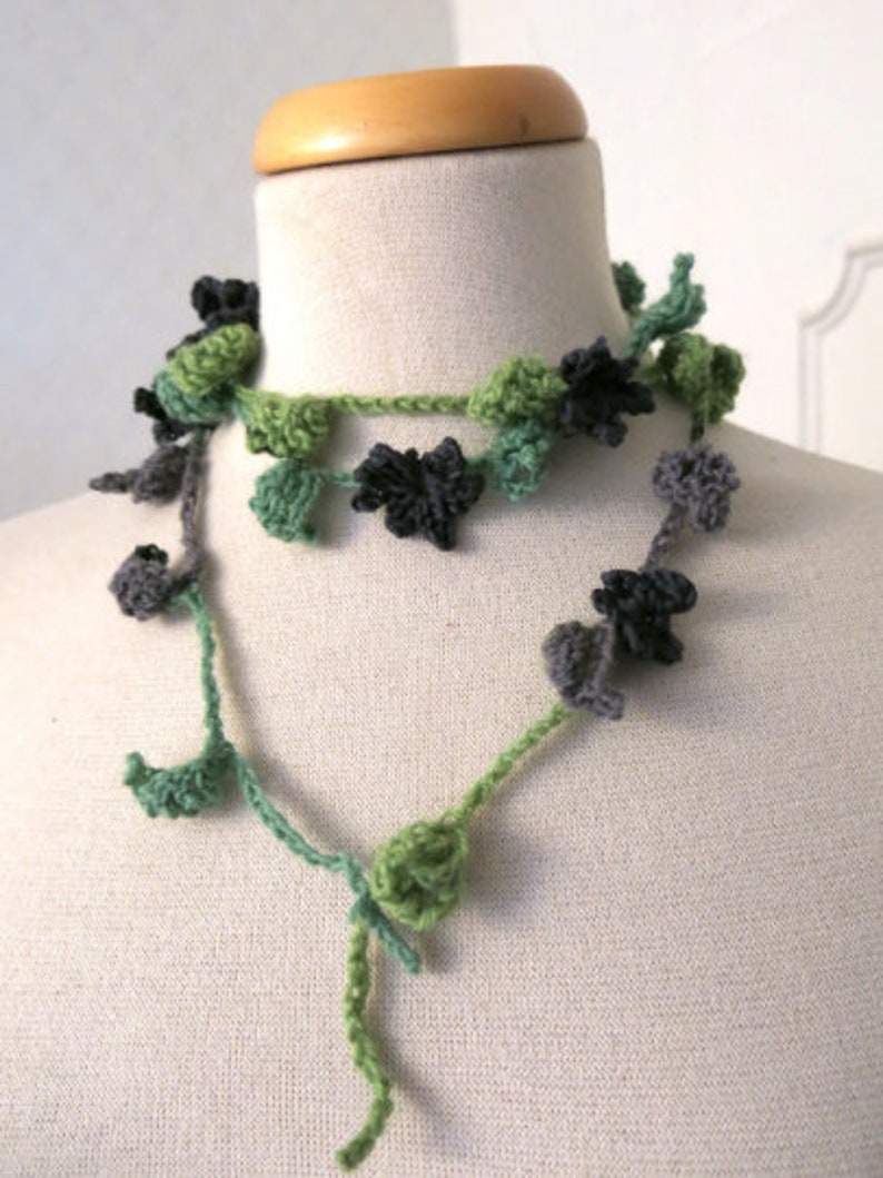Crochet flower necklace Green and gray