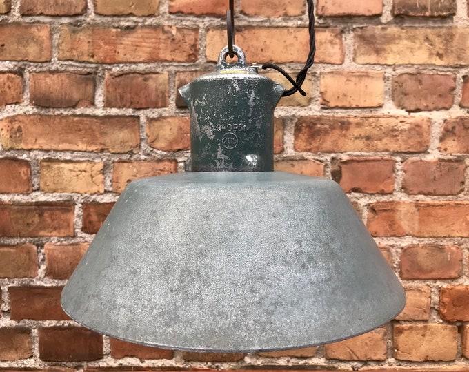 IKA Fabriklampe Aluminium grün (1x)