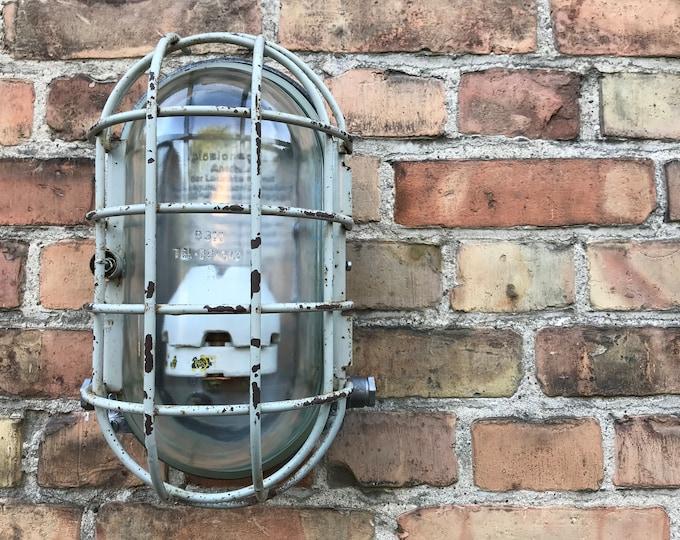 1 von 3 robuste Bunkerlampe Wandlampe Deckenlampe Hoflampe