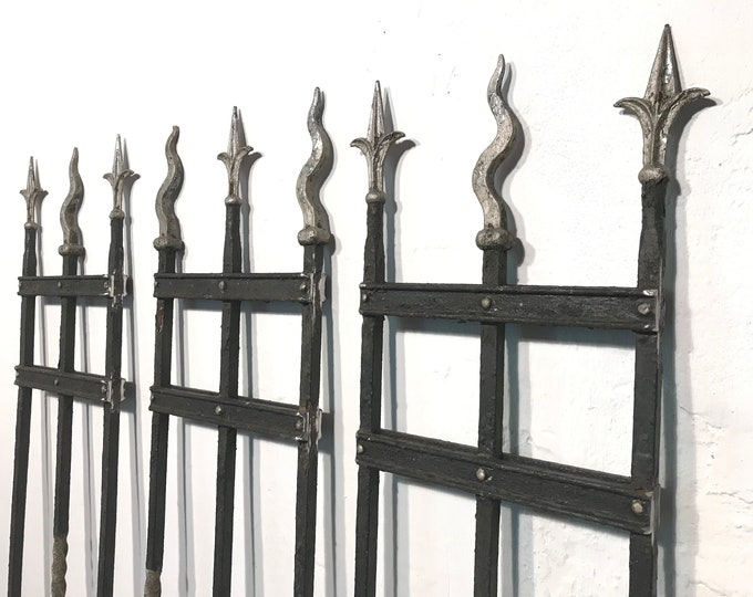 Set of 3 wrought iron rank grille 138 cm