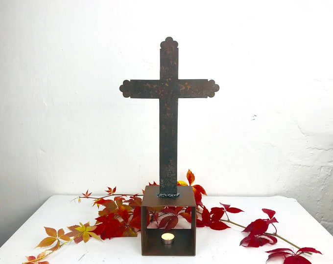 altes Kreuz aus Eisen