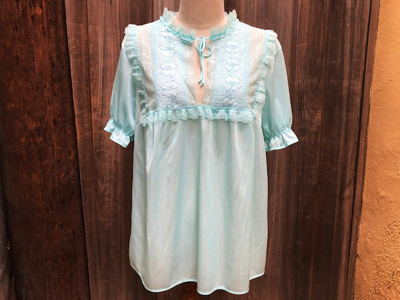 70s Vintage Baby Blue Blouse With Puffy Sleeves an