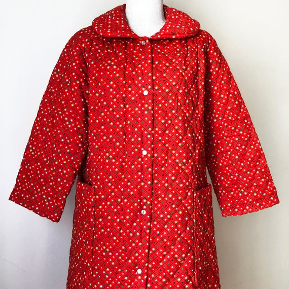 Vintage 70s Red Quilted Jacket Coat Housecoat - image 1