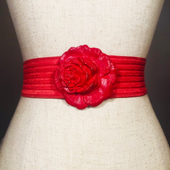Vintage 80s Red Rose Statement Belt