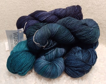 Malabrigo Worsted, Paris Teal Gradient, SINGLE SKEIN, Merino wool, for knitting, crochet, weaving, crafts. Kettle dyed, Worsted weight yarn